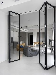 39 sqm Contemporary Apartment Personalized in Gray and White 10