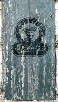 Saint Luigi | Sucos & Geléias #logo #design #grunge