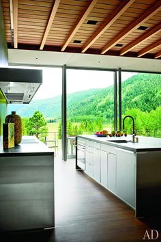 Aspen Residence with Magnificent Panoramic View Over a Nature Reserve 6
