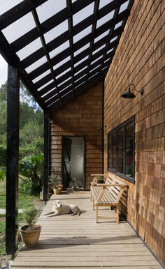 the front of the house / Karina Duque Arquitecto