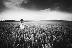 Alisdair Miller | PHOTODONUTS DAILY INSPIRATION PHOTOGRAPHY #photography #child #field