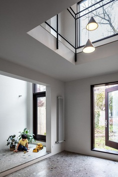 Extended Three-Story Townhouse in Brooklyn by vonDALWIG Architecture 1