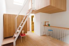 2 voss street staircase area