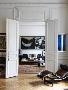 la closerie #interior #flooring #chaise #moulding #art