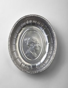 "crematorie:""Ordinary people and disposable objects"", sculptures by Idan Friedman. #relief #raised #packaging #silver #tin #idea #tray"