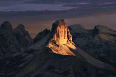 dolomites alps photography nature land landscape outdoor beautiful design inspiration designblog www.mindsparklemag.com
