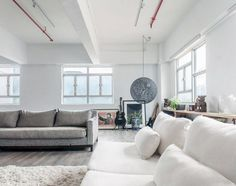 Industrial Warehouse Converted into a Family Home and Creative Workshop Space 2