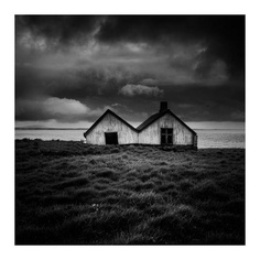 Black and White Long Exposure Photography by Jay Vulture