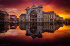 Mark Mervai Uses Perfect Lighting to Show True Beauty Of Budapest