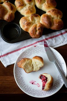 Buttered Up: Bubble Top Brioches #food