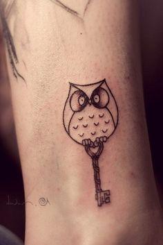 Ewe Jin Tee / Pinterest #owl #shading #tattoo #key #cool