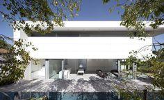 http://leibal.com/architecture/afeka-house/ #modern #design #minimalism #minimal #leibal #minimalist