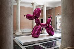 Palazzina Grassi: the headquarters of the Venice Biennale #jeff #koons #art