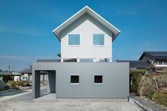 Floating House in Ogasa
