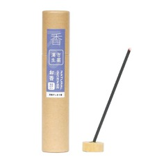 Originating from traditional Chinese herbal medicine, these high-quality incense sticks are made from natural ingredients that provide benefits for the mind and body such as stress-relieving agarwood, calming chamomile, and cold-fighting eucalyptus. They also feature an incense holder made from hinoki wood. Made in Japan.