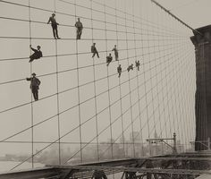 Painters on the Brooklyn Bridge Suspender Cables, Oct 7 1914 #museums #photography #bridge #york #nyc #brooklyn #new