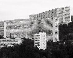 tumblr_lkdb15ZiMD1qbcryoo1_500.jpg (JPEG Image, 500×397 pixels) #landscapes #architecture #facades #green