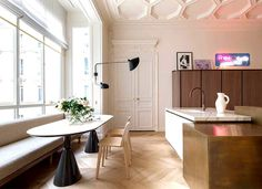 Spectacular Paris Apartment by Rodolphe Parente - dining area, dining table, dining, table, chairs, decor, #diningroom