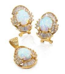 Fine Opal Jewelry Set,