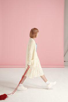 Platform Trainer White #retail photography