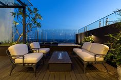 Ecopark Penthouse by iHouse / Vietnam