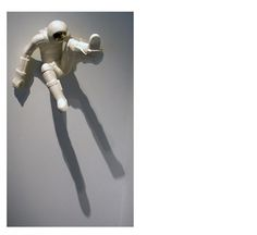 EmilAlzamoraImage12.jpg (JPEG Image, 983x902 pixels) - Scaled (64%) #sculpture #spaceman