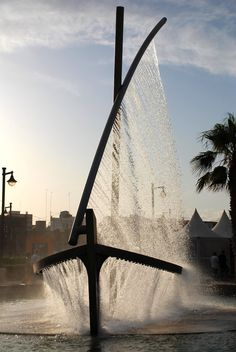 CJWHO ™ (Spectacular Fountain Sprays Water to Look Like a...) #spain #water #valencia #design #fountain #photography #boat #art