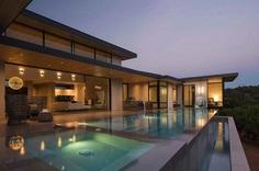 Contemporary Texas Home Designed to Maximize the Surrounding Views 12