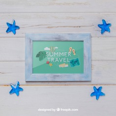 Frame and blue mini starfishes Free Psd. See more inspiration related to Frame, Mockup, Summer, Blue, Beach, Sea, Sun, Photo frame, Photo, Stars, Holiday, Mock up, Decorative, Vacation, Wooden, Summer beach, Up, Season, Wood frame, Composition, Mock, Summertime, Mini and Seasonal on Freepik.