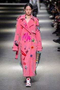 Burberry Spring 2018 Fashion Show - The Impression