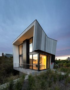A Two-Story Beach House with a Small Footprint #architecture