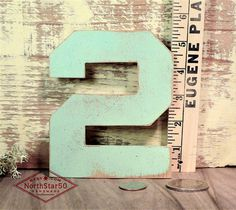 Rustic Vintage style Number \'2\'    Wooden number