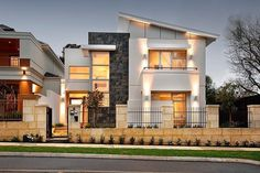 Derby House by Daniel Lomma Design Contemporary Home Illuminated with Natural Light Redefines Luxury Coastal Lifestyle