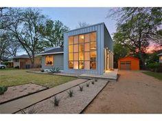 http://www.modernaustin.com/wp content/uploads/5706 avenue d1 590x442.jpg #austin #architecture