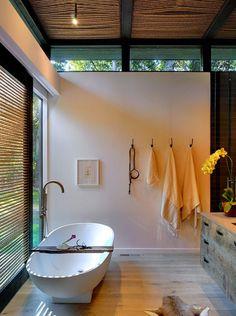 Robins Way House / Bates Masi Architects