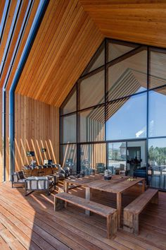 Beautiful Monolithic Home Built of Prefabricated Black Concrete Panels 18