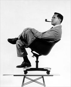 21cool-500.jpg 407×500 pixels #designer #chair #photography #vitra #table