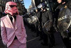 FFFFOUND! | 61b11919_620.jpg (Image JPEG, 620x421 pixels) #trooper #police #storm