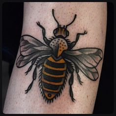 .@philipyarnelltattoos | Done at AKA London. #bee #tattoo #tattoos