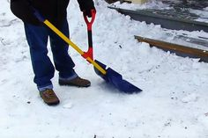 Make #shoveling #snow a little less painful by reducing the strain on your back with HEFT, the supplementary #ergonomic handle!