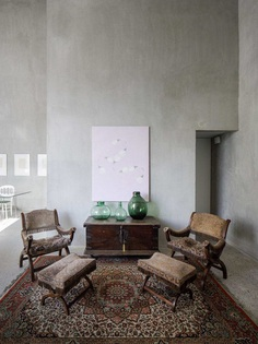 Elisa Valero Arquitectura Designed Eight Experimental Apartments with Exposed Concrete Walls 6