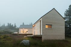 Little House on the Ferry by GO Logic. Photo by Trent Bell. #house #gologic #trentbell #architecture