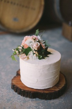 Relaxed Vintage Boho Wedding Inspiration - floral cakes