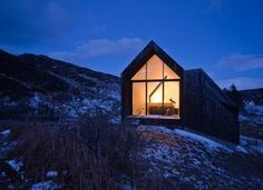 House at Camusdarach Sands is a minimalist house located in Stromness, United Kingdom, designed by Raw Architecture Workshop. Over 2000 year