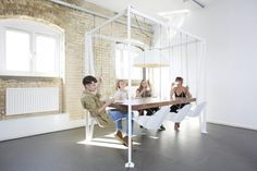 Интересный проект Swing Table от Криса Даффи #interior #furniture #table #workspace