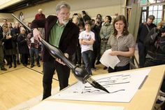 Local artist unveils giant pen | Capitol Hill News