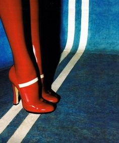 img29.jpg 500×602 pixels #red #lines #vintage #heels #fashion #blue #high