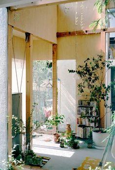 House Komazawa Park by miCo #interiors #light #space