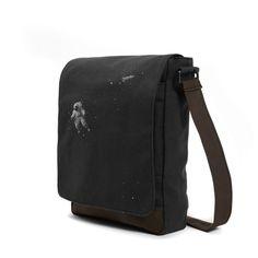 #astrok #gray #bag #messenger #shoulderbag #woodyallen #astronaut #space #universe #outerspace #spaceship