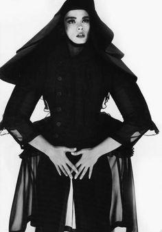 PLUME DE POULE #layers #woman #black #photography #fashion
